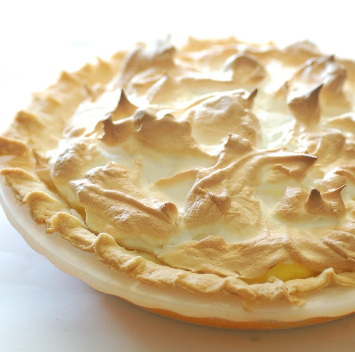 Waring cook book for the 8 buttonblender foodways pilgrim for Lemon meringue pie with graham cracker crust