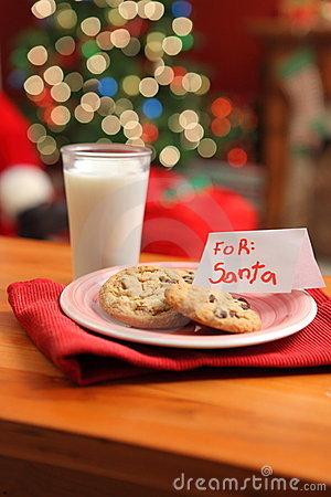 milk-cookies-santa-11259883