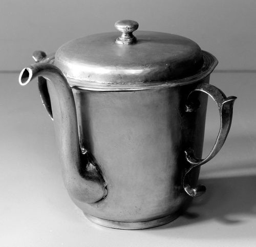 Silver feeding cup or small posset pot, by Andrews, 1698. Description  Feeding cup or small posset pot in silver. Wellcome Images Keywords: domestic; Nursing; William Andrews