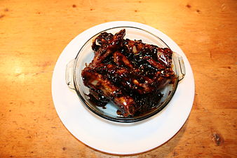 Spare_ribs_with_Chinese_barbecue_sauce