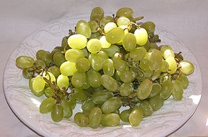 Thompson_seedless_grapes